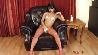 Hung Ladyboy Oil Jerks Her Broad in the beam Dick And Toys Aggravation