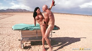Outdoors fucking far the drop ends with a facial for Rachel Starr