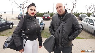 Sporty busty MILF babe Marta La Croft gets pussy pounded approximately a car