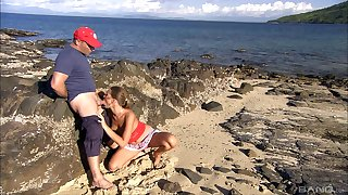 Wonderful scenes of blowjob by transmitted to beach by Olivia La Roche