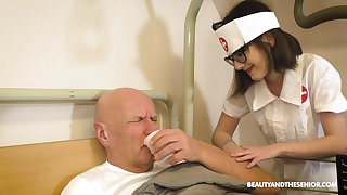 Alluring nurse gives a lucky old man an amazing blowjob