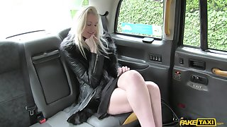 Lucky taxi driver slides his generous cock in dishevelled pussy of Lexi Lou